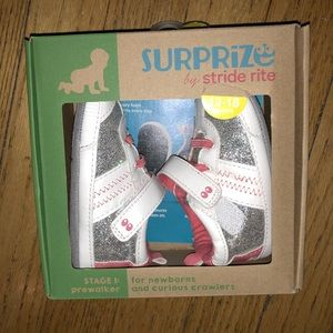 Surprize by stride rite sneakers size 12-18 months